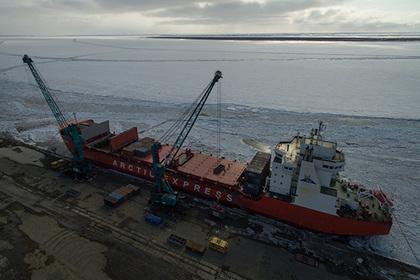 В порту Дудинки началось восстановление морского порта после паводка
