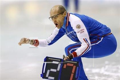 Главный тренер РФ поконькобежному спорту попал под машину