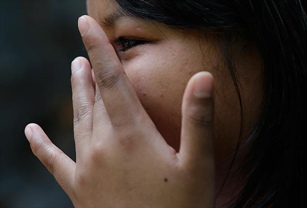 Филиппинские дети часто винят себя в том, что их родители предстали перед судом из-за порнографических «шоу»