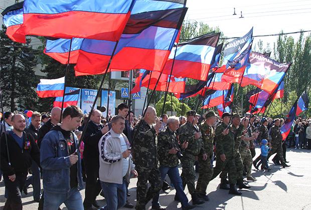 Государственным флагом Малороссии предлагается сделать флаг Богдана Хмельницкого