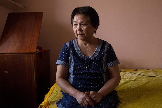 Галине Горяевне 65 лет, она работает патологоанатомом большую часть жизни. Начинала как врач-фтизиатр, но после того, как на ее глазах умер пациент, решила переквалифицироваться.