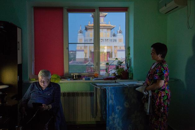 Десять лет Галина Горяевна проработала в Москве, но вернулась в Калмыкию, так как привязана к этому месту.