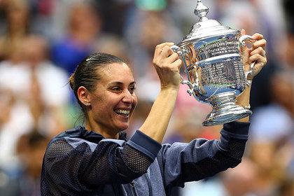 Итальянская теннисистка Винчи сказала, что воры украли изеедома все трофеи