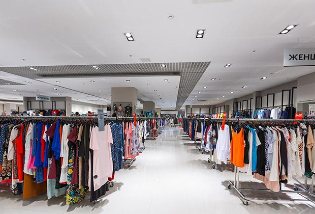 Продавцы в этих магазинах не навязывают услуг покупателям— вы сможете спокойно погулять по залу