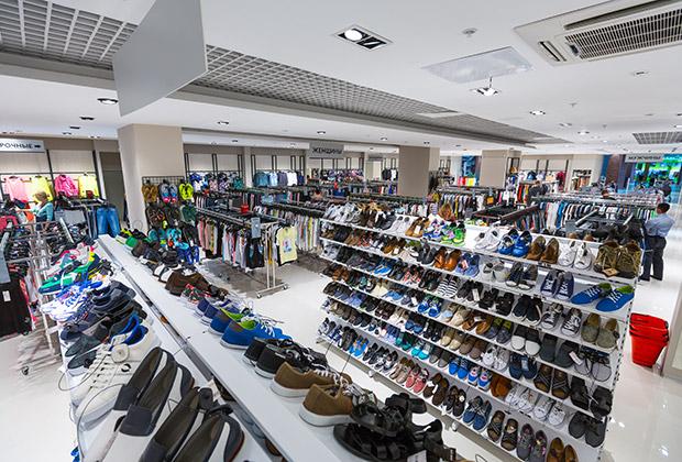 В магазинах Offprice представлено 430 известных брендов одежды и обуви