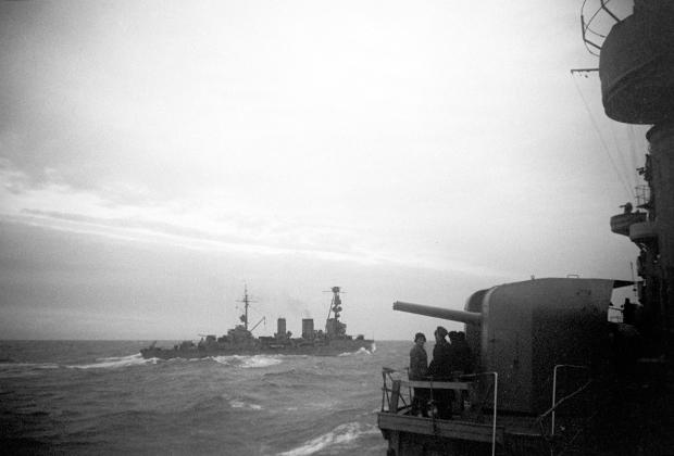 Гвардейские крейсеры «Красный Кавказ» и «Красный Крым» в боевом походе
