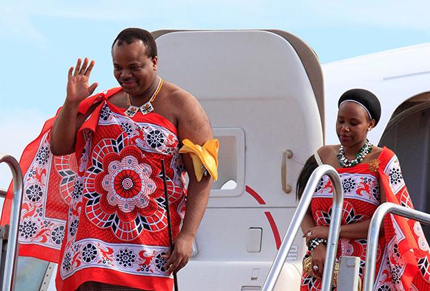 Нынешний монарх Мсвати III каждый год меняет жену