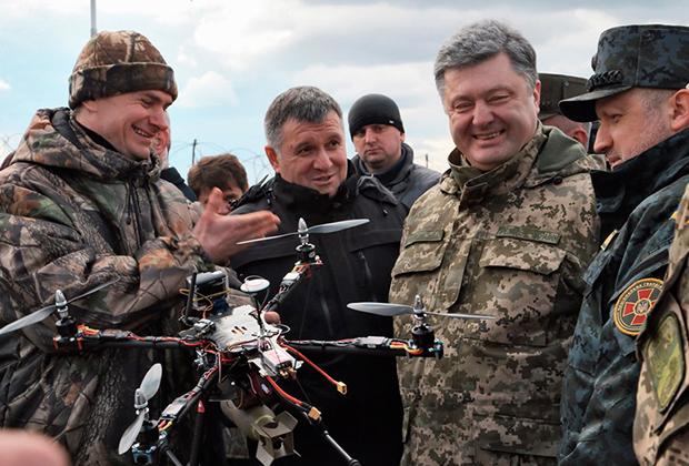 Взрывы в Калиновке произошли в день рождения президента Украины Петра Порошенко