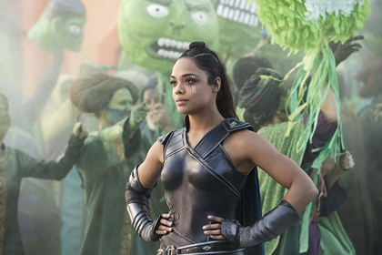 Marvel впервые показал супергериню с нетрадиционной ориентацией в третьем «Торе»