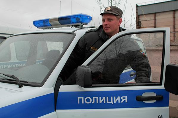 Менеджера автосалона в Петербурге нашли мертвым после пропажи 13 машин