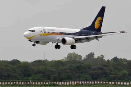 Индийский пилот ударил коллегу-летчицу по лицу во время полета