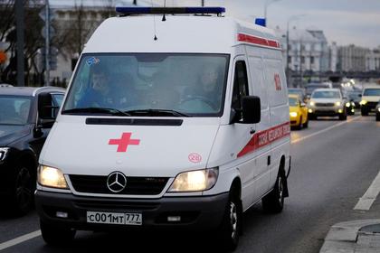 Юноша захотел напугать 11-летнего друга и столкнул с 17-го этажа в Подмосковье
