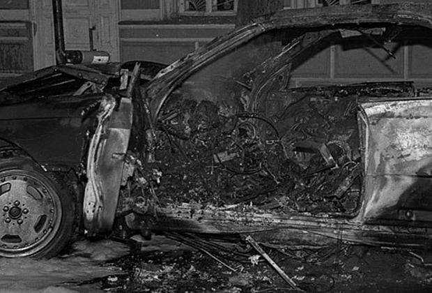 13 сентября 1994 года рядом с домом №46 по 3-й Тверской-Ямской улице был взорван Mercedes-Benz 600SEC, в котором находился криминальный авторитет Сергей Тимофеев по кличке Сильвестр. По оперативным данным, масса тротилового заряда, прикрепленного магнитом к днищу автомобиля (предположительно на автомойке), составила 400 граммов. Взрывное устройство сработало, как только Сильвестр сел в машину и начал разговаривать по сотовому телефону; корпус устройства взрывной волной отбросило на 11 метров.  <br> <br> В тот день Тимофеева охраняли 19 человек, но он почему-то оказался в машине один. Ответа на вопрос, кто именно стоит за смертью Сильвестра, нет до сих пор: Тимофеева называли королем преступного мира Москвы, и врагов у него хватало. Между тем существует версия, согласно которой во взорванном мерседесе находился другой человек, а Сильвестр скрылся за рубежом с огромной суммой денег. Во всяком случае, все, кто опознавал его тело, внезапно и резко разбогатели.