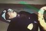 1 марта 1995 года в Москве был убит телеведущий и журналист, первый генеральный директор ОРТ Владислав Листьев. Киллер подкараулил Листьева около 21:10 в подъезде дома на Новокузнецкой улице, когда журналист возвращался со съемок программы «Час пик». Одна из пуль попала телеведущему в руку, вторая — в голову.  <br> <br> Следователи обнаружили при погибшем ценности и большую сумму наличных, а потому предположили, что убийство Листьева связано с его деловой или политической деятельностью. Несмотря на неоднократные заявления правоохранительных органов о том, что дело близко к раскрытию, ни убийцы, ни заказчики до сих пор не найдены.