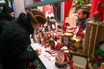 В новогодние каникулы россияне потратили триллион рублей