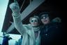 Технически сериал Стивена Содерберга можно увидеть уже сейчас — но не совсем в том виде, в котором он выйдет на HBO через пару недель. Еще в прошлом году эта история расследования убийства популярной писательницы (Шэрон Стоун) на горнолыжном курорте стала доступна в виде мобильного приложения, пользователи которого могут влиять на ход сюжета.  <br><br> В телевизионном варианте «Мозаика» лишится интерактивных элементов и доли хронометража, но, зная мастерство Содерберга, скорее всего, только приобретет в динамизме.
