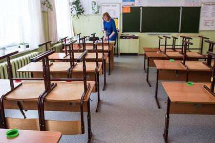 Вадминистрации Сочи пояснили, почему преподаватели живут вподвале школы