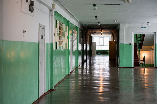 Россиянин отчаялся получить квартиру и попытался покончить с собой у стен мэрии