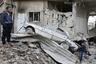 Базирующийся в Лондоне Сирийский центр мониторинга по правам человека обвинил в уничтожении жилых кварталов российскую авиацию. Москва обвинения отвергла.