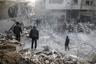 Обитатели Гуты и гуманитарная организация «Белые каски» утверждают, что погибших в два раза больше.