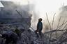 Пока, однако, власти Сирии позволили эвакуировать из Гуты только 30 человек, находящихся в критическом состоянии. Война продолжается. Люди гибнут каждый день.