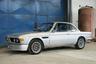 Классическая «бэха»-купе в кузове ателье Karmann, оснащенная трехлитровым двигателем мощностью 180 лошадиных сил. По словам владельца, машина сейчас в лучшем состоянии, чем когда он купил ее 45 лет назад. Пробег — 2300 километров. Лот предлагается в Маастрихте, оценка — 65-85 тысяч евро.