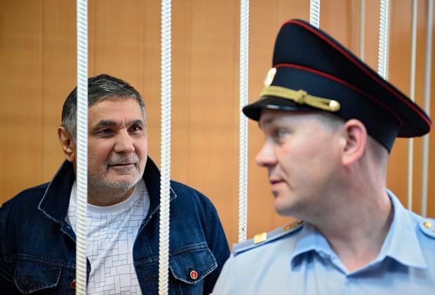 Захарий Калашов (слева)