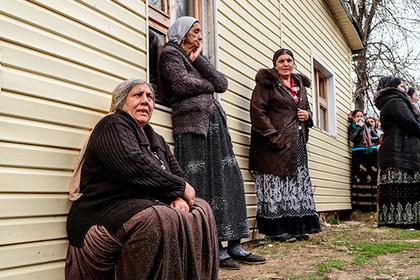 Выжитые из собственных  домов русские  цыгане пожаловались вЕСПЧ