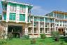 Крупнейший в Таджикистане курорт «Шамбари» находится недалеко от Душанбе. В санатории «Сатурн» можно недорого отдохнуть и подлечиться. Не забудьте скачать перед выездом сериалы «Агент национальной безопасности» и «Менты», чтобы смотреть их в перерывах между оздоровительными процедурами. Интернета в номерах нет (по отзывам гостей).