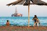 Пляжи Баку менее многолюдны, чем в крупных курортных городах Краснодарского края и Крыма. А содержащаяся в водах Каспия нефть, говорят, обладает целебными свойствами.