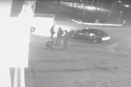 Закончившаяся убийством уличная разборка попала на видео