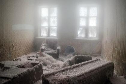 Барак «снежной королевы»: горожане сфотографировали наХиммаше удивительный ледяной дом
