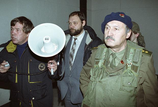 Виктор Анпилов, Илья Константинов, Альберт Макашов (слева направо), октябрь 1993 года