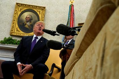 Трамп согласился принимать мигрантов излюбой страны