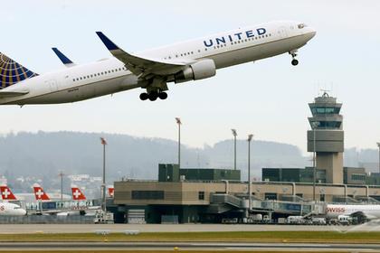 Самолет United Airlines вынужденно приземлился из-за переполненных туалетов