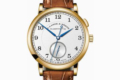 Немцы выпустили часы в память покойного начальника