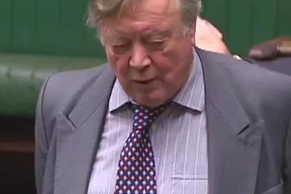 Заскучавший на дебатах депутат уснул в прямом эфире