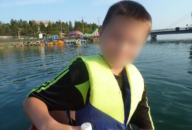Предположительно на фото— ученик девятого класса, напавший на школу