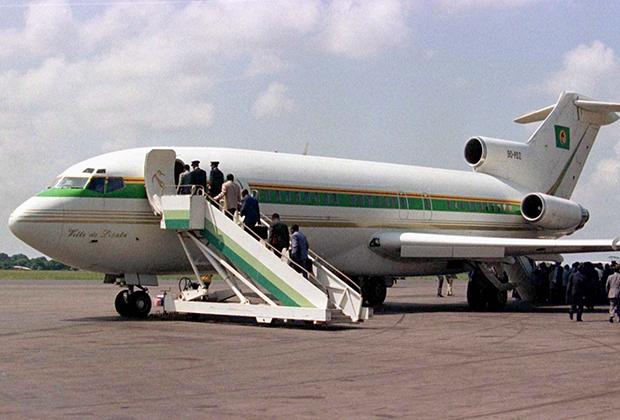 Мобуту и его свита эвакуируются из Киншасы, 1997 год