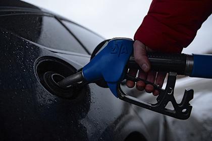 ФСБ обнаружила на десятках автозаправок вирус для недолива бензина