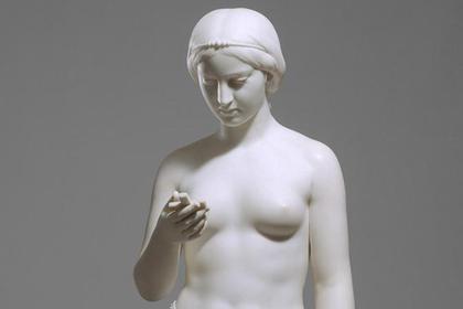 В руке мраморной девы XIX века «нашли» iPhone