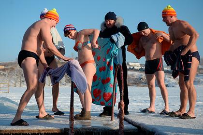 Более 700 жителей Ненецкого округа окунулись в крещенскую иордань