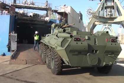 В Азербайджане показали прибывшую из России военную технику