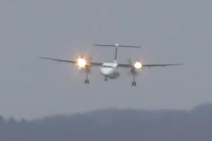 Появилось видео виртуозной посадки самолета в Дюссельдорфе во время урагана