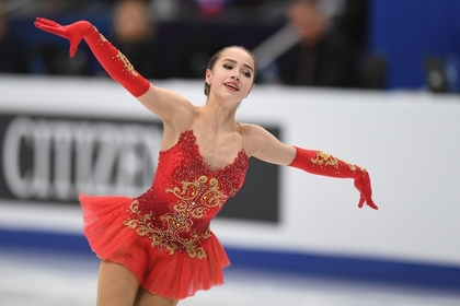 Медведева проиграла 15-летней соотечественнице на чемпионате Европы