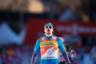 Прошлогодний «Тур де Ски» прошел под знаком превосходства Сергея Устюгова. Россиянин выиграл первые пять этапов многодневки и спокойно довел дело до общей победы. Олимпийских наград он пока не снискал, однако в Пхенчхане Устюгов был бы среди главных фаворитов.