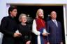 Помимо Элтона Джона главными звездными гостями форума стали австралийская актриса Кейт Бланшетт и культовый индийский актер Шахрух Хан. На фото они получают награды за участие от президента форума в Давосе Клауса Шваба и его жены Хильды.