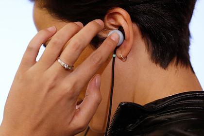 Винтернете призвали запретить побудившую наубийство студентки песню