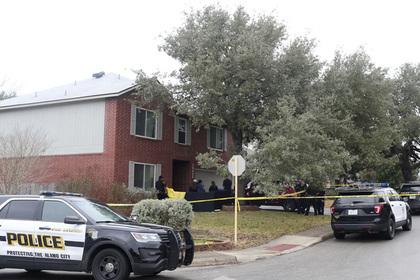 Подросток в США расстрелял в школе детей