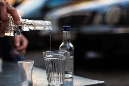 Третьеклассник трижды обокрал магазин со спиртным и споил товарища до смерти